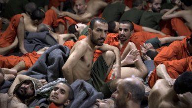 Photo of أسرى داعشيين بلبس ضحاياهم البرتقالي