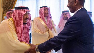 Photo of البرهان وحمدوك في اول زيارة رسمية لهما للسعودية