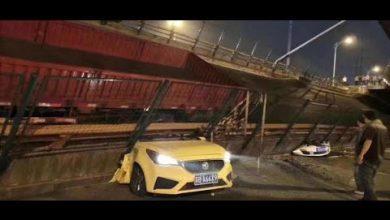 Photo of حادث مروع.. شاهد فيديو للحظة انهيار جسر فوق السيارات وسقوط ضحايا!