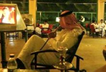 Photo of مواطن يوثق فيديو صادم لمطعم ومقهى النخيل بجدة وهو خالي من الزبائن بعد قرار ضريبة التبغ!