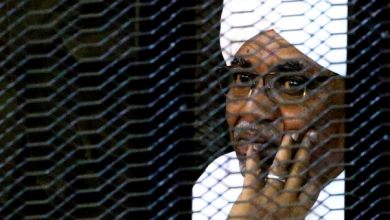 Photo of اتهام البشير بتهم ارتكاب جرائم حرب وضد الإنسانية وجرائم تطهير عرقي