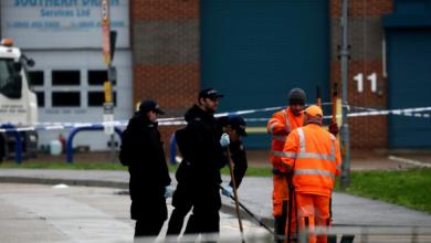 Photo of مقاطعة إسيكس البريطانية تواصل الشرطة عملها لتحديد هوية الضحايا