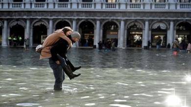 Photo of الممرات المائية لمدينة البندقية تجذب ملايين السياح من جميع أنحاء العالم