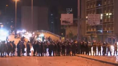 Photo of بالفيديو بيروت10 جرحى بالمستشفيات أُصيبوا جراء التظاهرات الاحتجاجية التي في ساحة رياض الصلح وجسر فؤاد شهاب