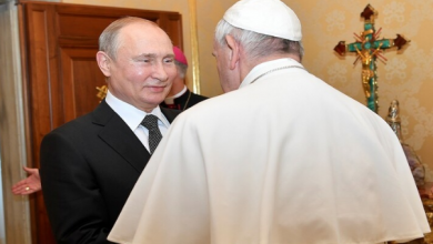Photo of بابا الفاتيكان فرنسيس لبوتين أؤكد لكم أنني أصلّي لأجلكم ولأجل الشعب الروسي كله