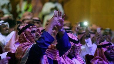 Photo of محاكمة رجلين بتهمة طعن 3 فنانين بعرض حي في الرياض الشهر الماضي