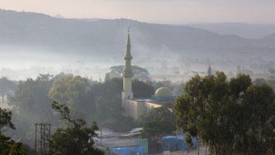 "Photo of رئيس وزراء إثيوبيا أبي أحمد : دانالهجمات ""الجبانة"" التي استهدفت مؤخرا عددا من المساجد في منطقة أمهرة وسط البلاد"