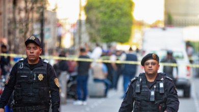 Photo of مقتل 4 أشخاص وإصابة 2 آخرين بإطلاق نار وقع في العاصمة مكسيكو أمام القصر الرئاسي