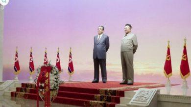 Photo of زعيم كوريا الشمالية كيم جونغ أون : يزور ضريحي والده وجده بعد تحذيره واشنطن