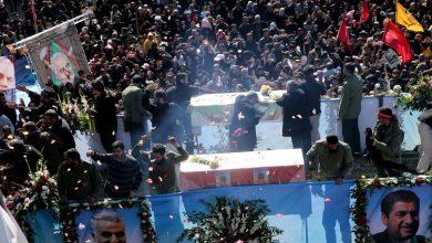 Photo of سقوط قتلى وجرحى إثر تدافع مشيعي قائد فيلق القدس في الحرس الثوري الإيراني