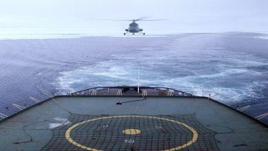 Photo of فيديو مذهل لمروحية روسية تحط على متن فرقاطة في عرض البحر
