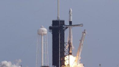 """Photo of فيديو..""""سبيس إكس"""" تطلق اليوم 60 قمرا إلى الفضاء"""