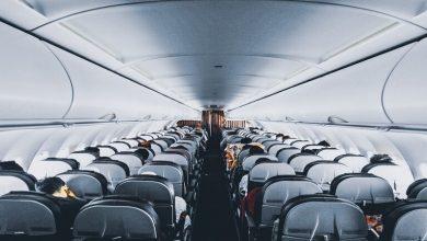 Photo of توقيت حساس لا يجب على ركاب الطائرة التحدث فيه مع المضيفين