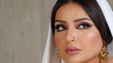 Photo of خبيرة التجميل بدور البراهيم صورة تظهر تواجدها على متن الدرجة الأولى الفخمة بطيران الإمارات دون أن تفصح ما وجهتها