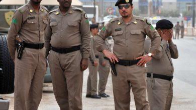 "Photo of شرطة الرياض: تعرُّض 3 أشخاص لإطلاق نار بـ""الدوادمي"".. والجاني يسلِّم نفسه"