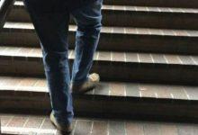 "Photo of يجهلها الكثيرون""..فوائد ""مذهلة"" لاستخدام الدرج يوميا بدلا من المصعد"